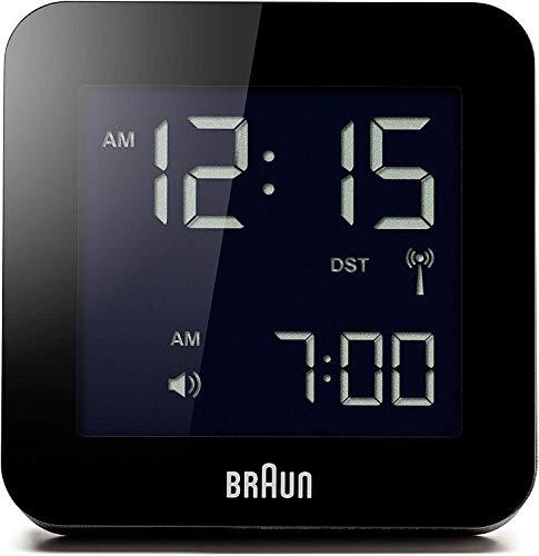 Braun Digitaler multiregionaler Funkwecker mit Schlummerfunktion, negatives LC-Display, Schnelleinstellfunktion, Alarmfunktion, in Schwarz, Modell BNC009BK-RC